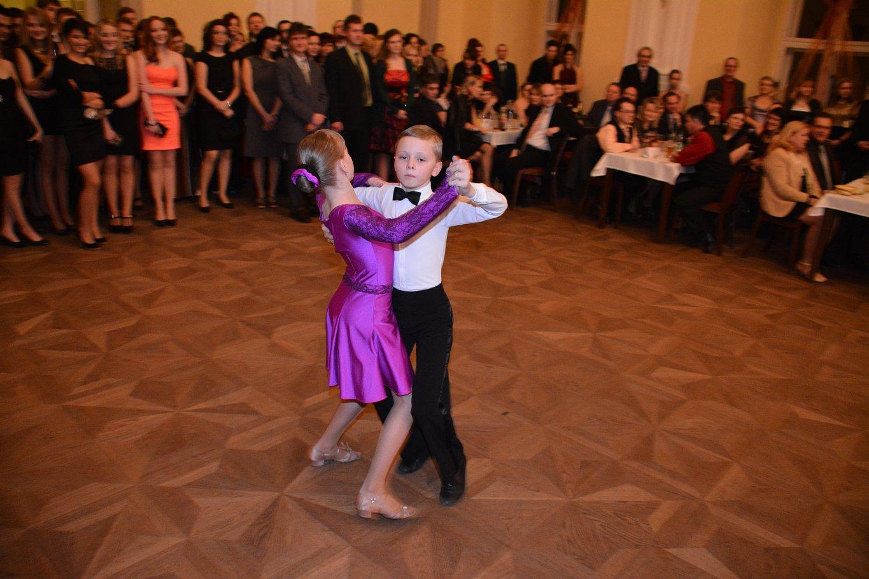 Ples 2. Základní školy Holešov
